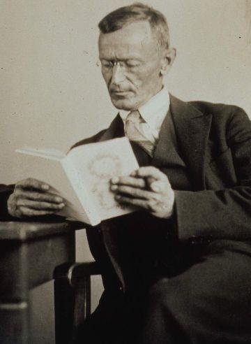 Portre of Hesse, Hermann